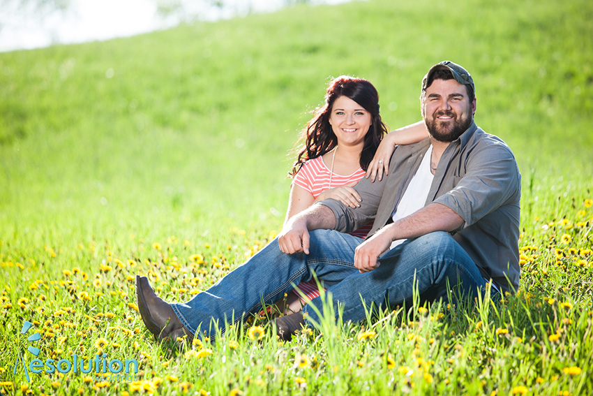 Taylor and Joe – rustic country engagement pictures!